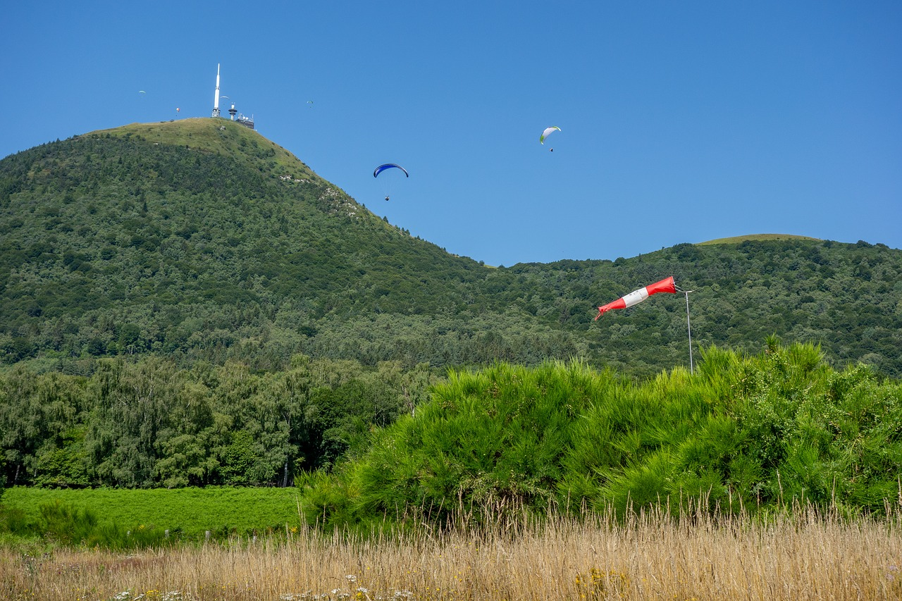 paragliding-3724118_1280